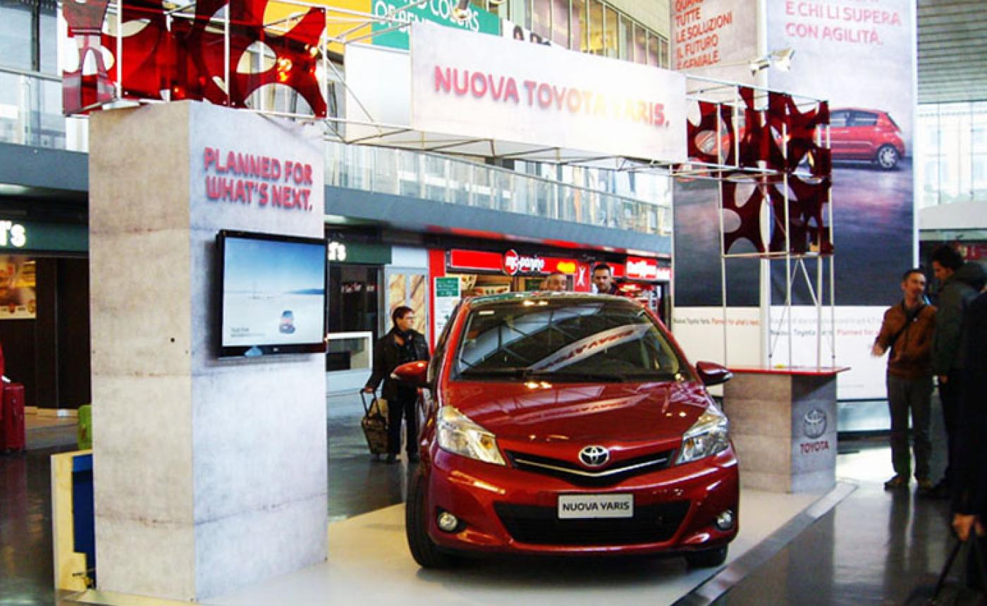 Portable modular stands – Toyota